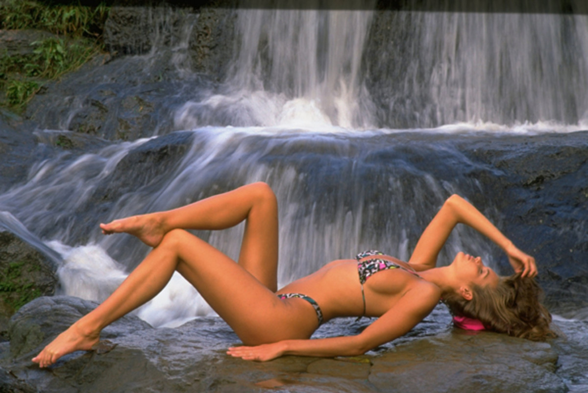 Elle Macpherson in Thailand, Swimsuit 1988 :: Marc Hispard/SI