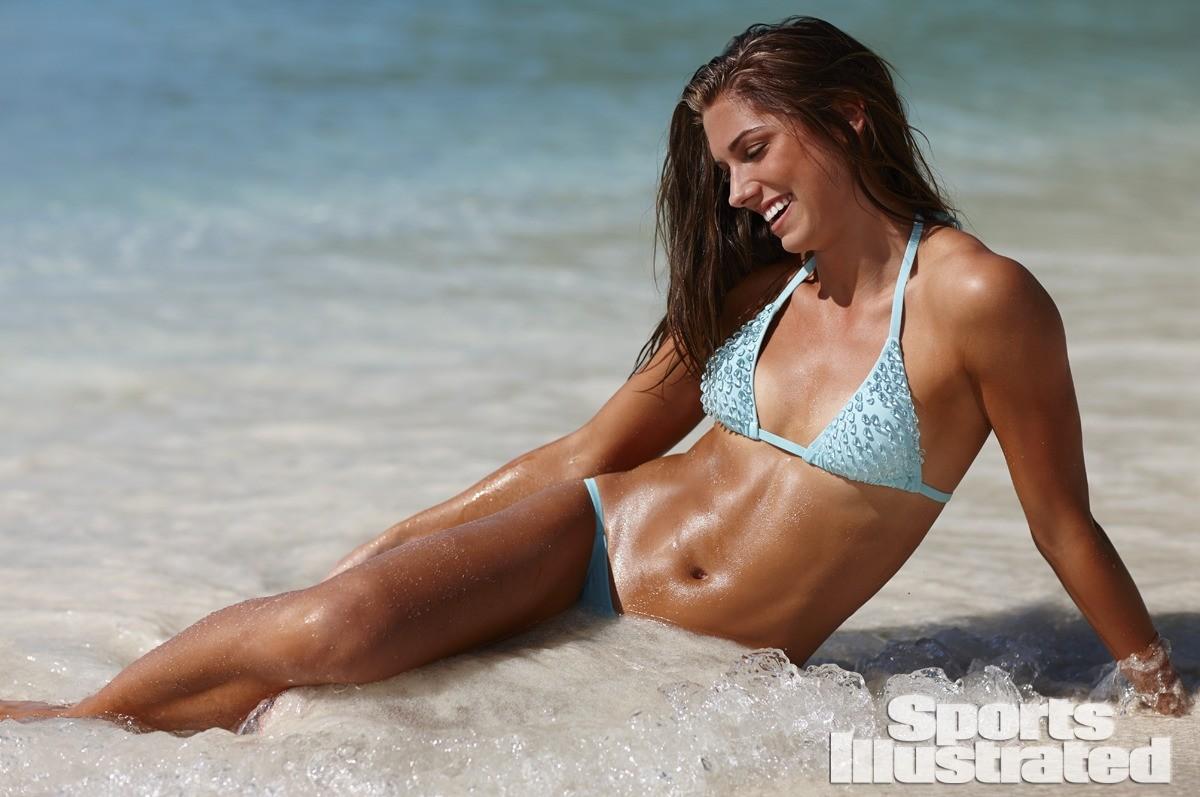 Alex Morgan 2014 Swimsuit 11