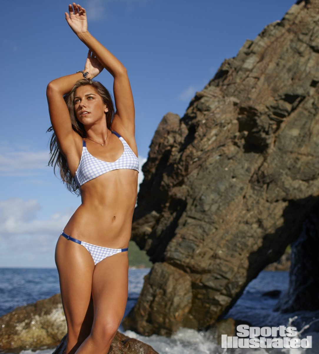 Alex Morgan 2014 Swimsuit 4