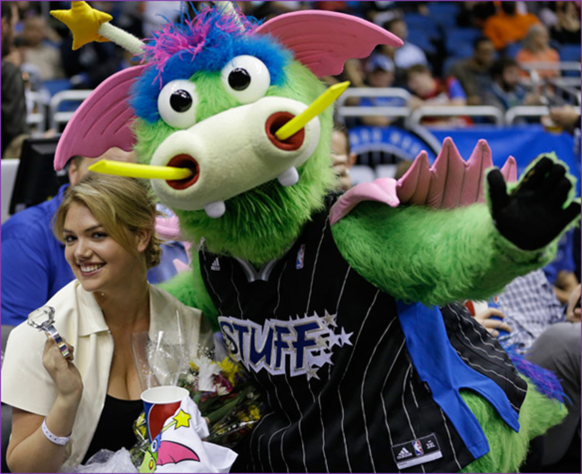 Kate Upton and Stuff at the Orlando Magic game :: AP