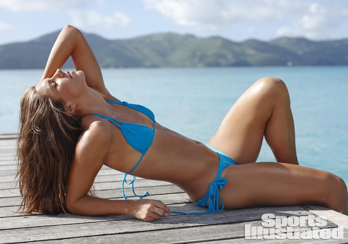 Alex Morgan 2014 Swimsuit 9