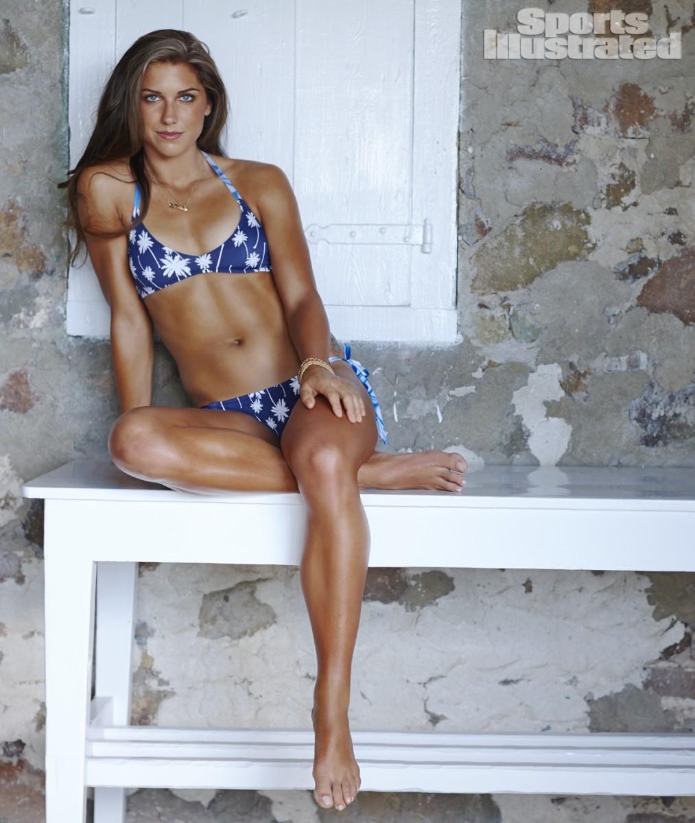 Alex Morgan 2014 Swimsuit 12