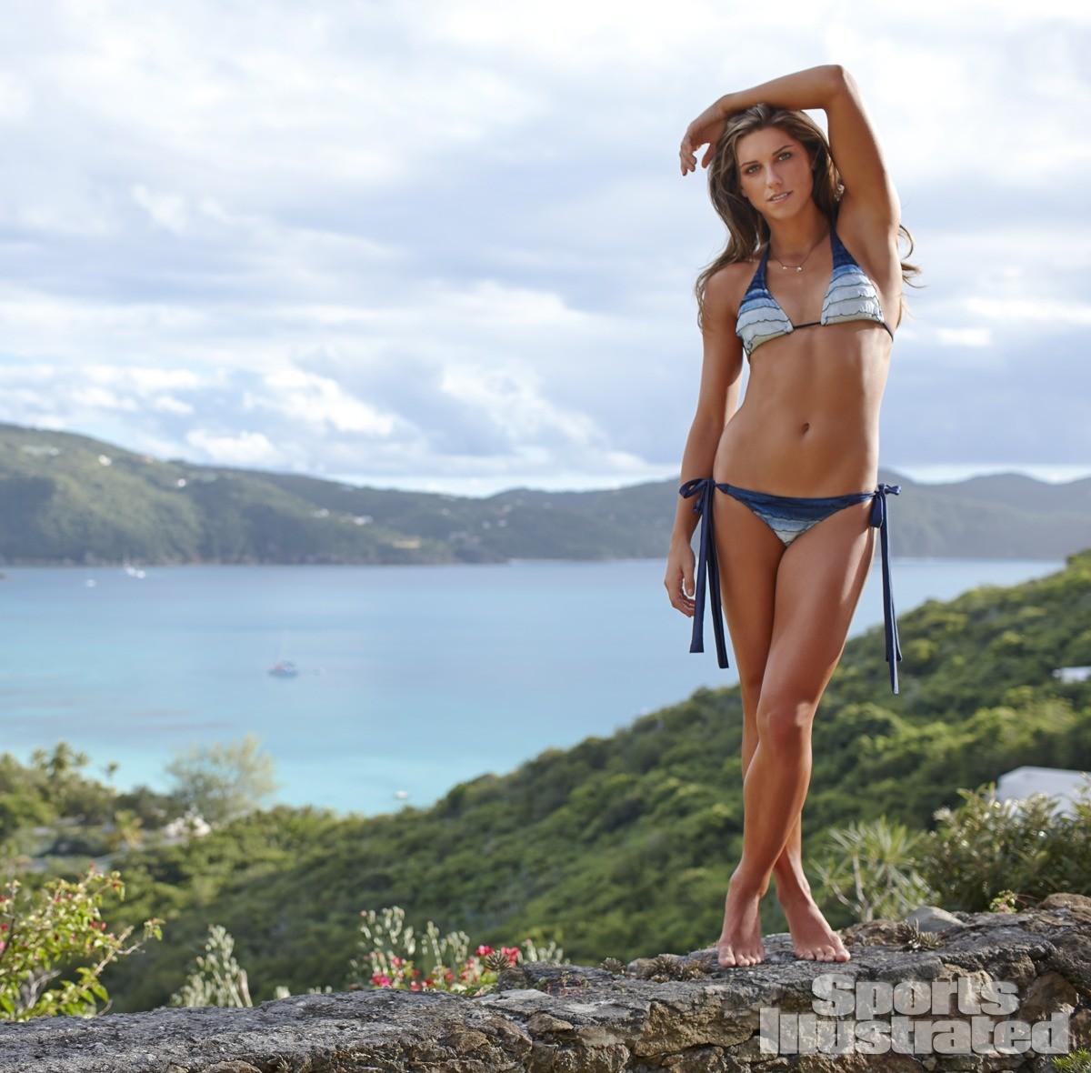 Alex Morgan 2014 Swimsuit 15