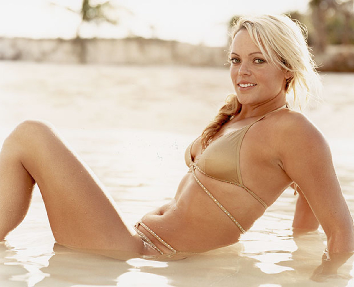 jennie-finch-swimsuit-2.jpg