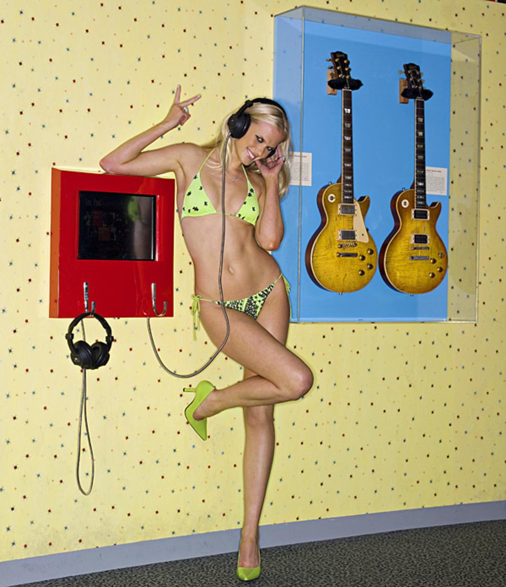 Anne V. :: Brian Lovely/SI (2007)