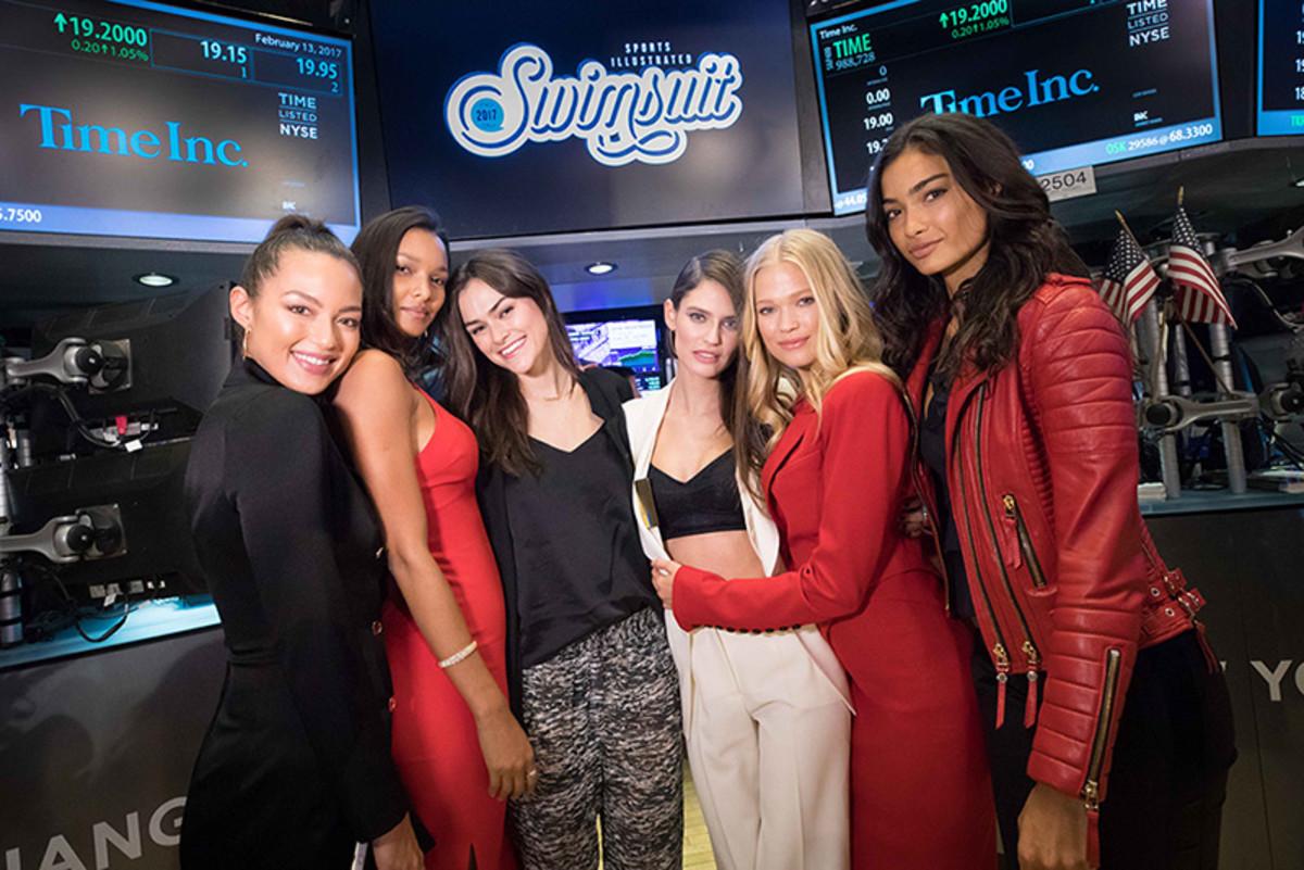 MJ Day, Lais Ribeiro, Myla Dalbesio, Mia Kang, Chris Stone, Kelly Gale, Vita Sidorkina, Bianca Balti :: Photo courtesy of NYSE