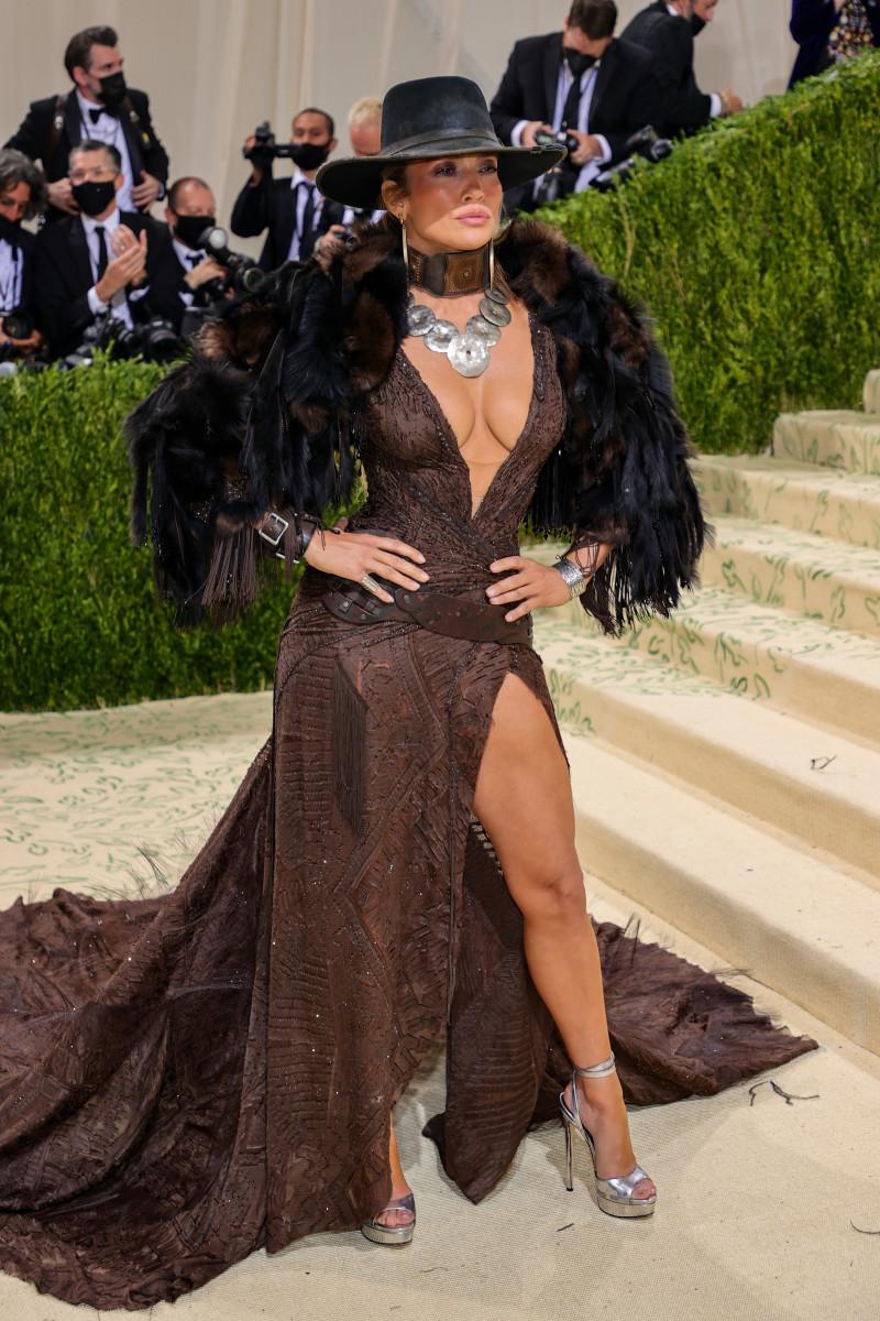 Jennifer Lopez in Ralph Lauren.Photograph byTheo Wargo/Getty Images
